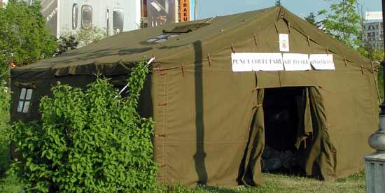 Hilfe Uberschwemmung 2005 05 02 14 in Paste Fericit!