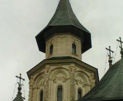 Kirchenturm der Klosterkirche Putna