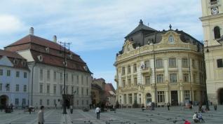 das Brukenthalmuseum und das Neue Rathaus